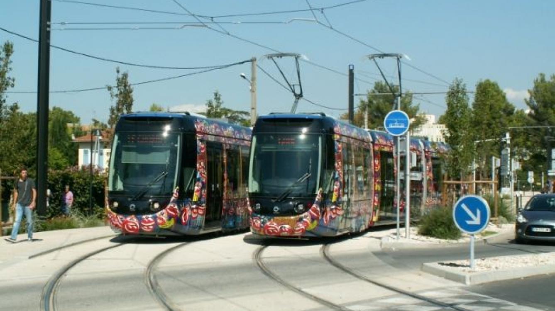 Tramway d'Aubagne station Piscine