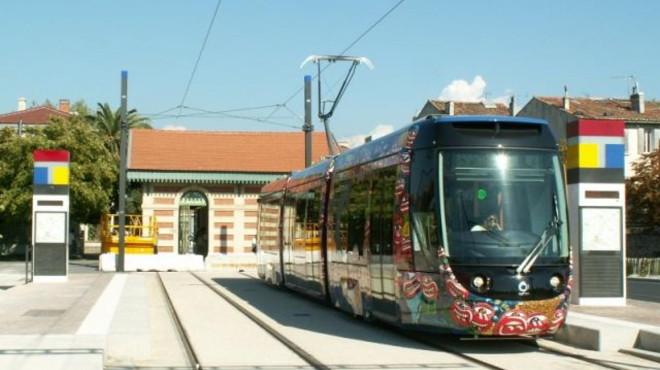 Tramway d'Aubagne station gare