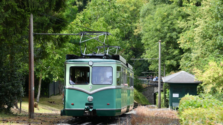 Schloss Drachenburg est situé à mi-distance de la ligne qui fait 1.5 Km retour des rames 3 et 2